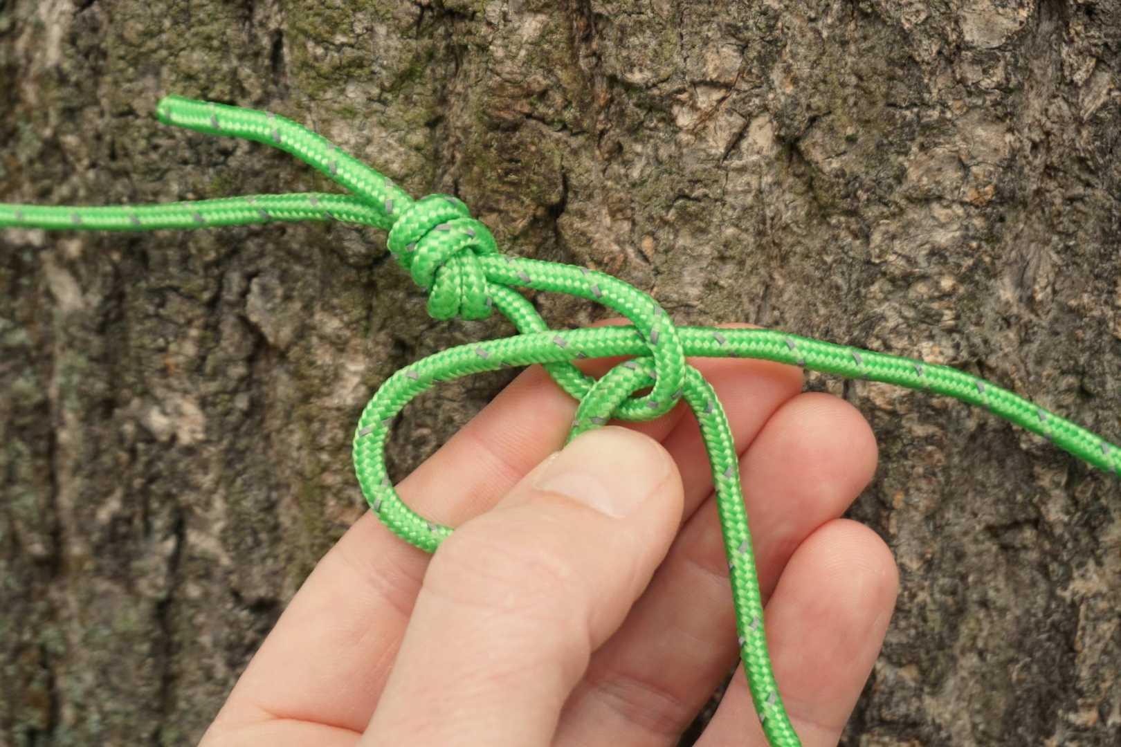 Schlinge mit Seil hindurch gesteckt