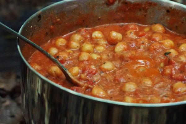 Kichererbsen Curry Outdoortopf